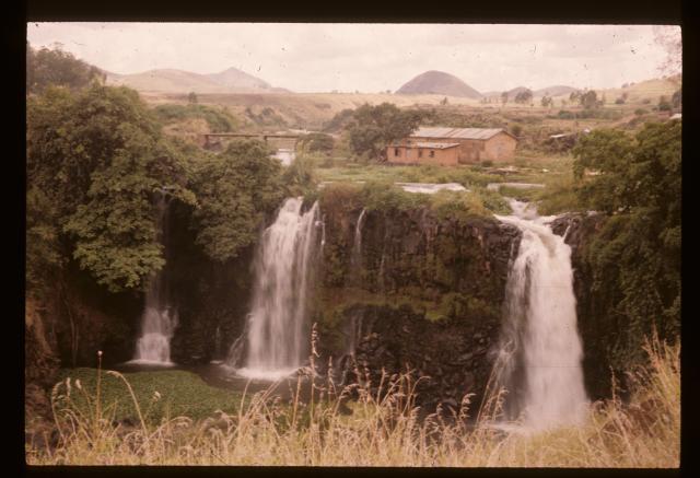Madagascar : Chutes d'eau de la rivière Lily, Odile Chapuis,