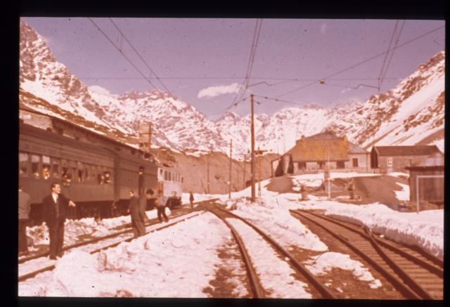Argentine : Las Cuevas : gare ferroviaire, Salinas Messina Rolando