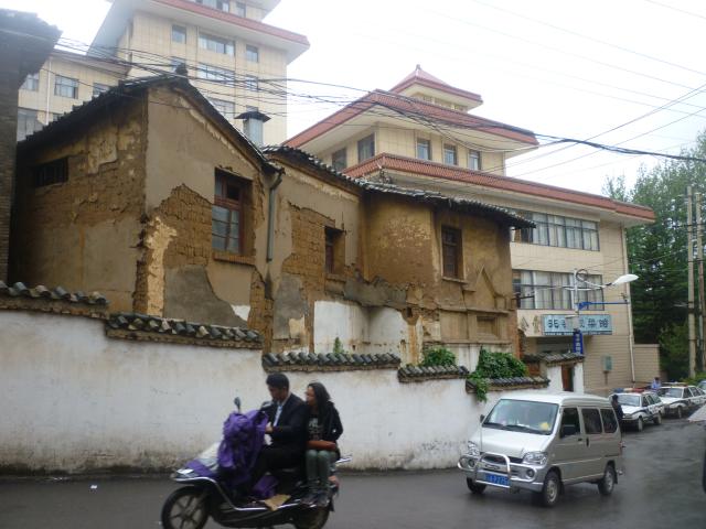 Crumbling old Kunming, Goulard Sébastien
