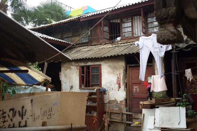 Urban Village 3 (chengzhongcun - 城中村), Elosua Miguel