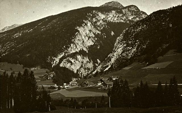France : Alpes : Rhône-Alpes : Haute-Savoie : Cluse près de Saint-Jean-de-Sixt