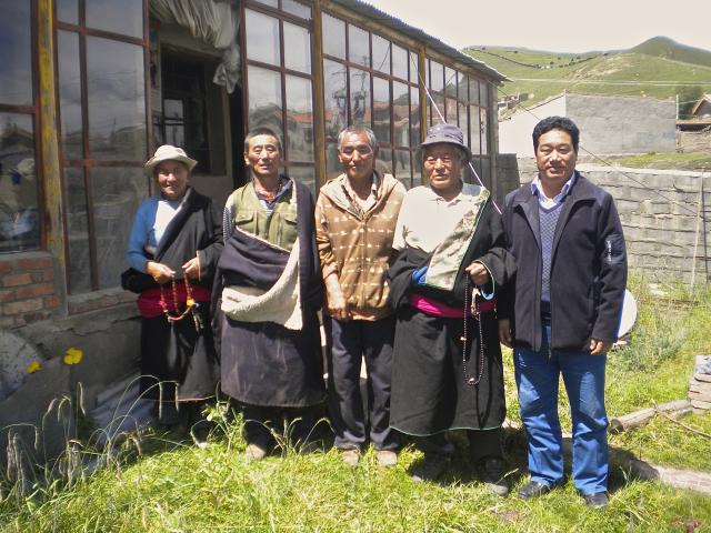 A Chukhama: trois cousins, un neveu et un ami de Nagtsang Nülo., De Heering Xénia